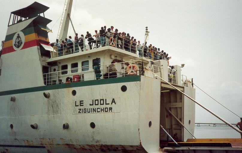 Bateau le Joola